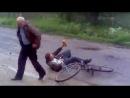 собака подрезает мужика на велике с буханкой. Блядь заебала она уже